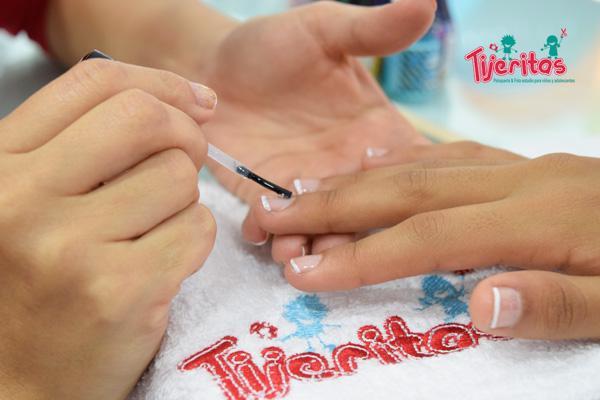 club-franquicia-peru-tijeritas-manicure-01-1511302795.jpg
